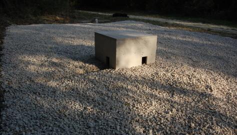 Casa-Trono, Installazione permanente